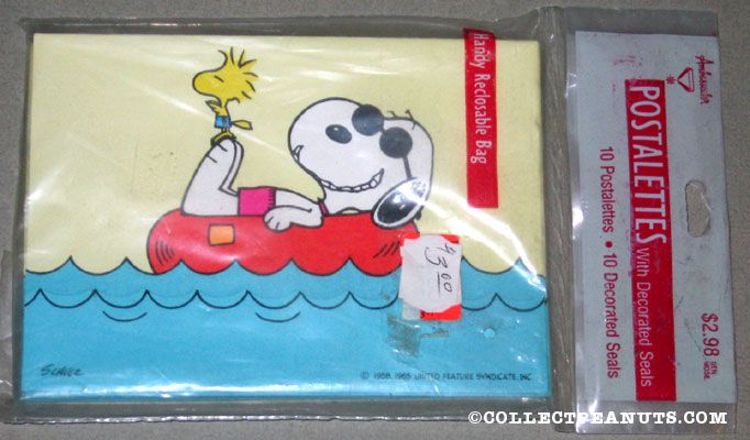 Snoopy & Woodstock laying in innertube Postalettes
