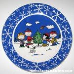 Peanuts Gang decorating Christas Tree Plate