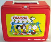 Peanuts gang having picnic with Snoopy & Beaglescouts walking on fence Red Lunch Box