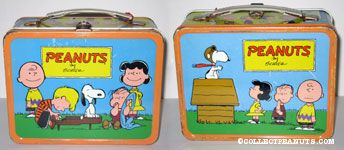 Peanuts Gang gathers around Piano Lunch Box