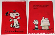 Charlie Brown with Gift, Snoopy on Doghouse Small Bag
