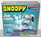 Snoopy Joe Cool on Surfboard Snap Tite Model Kit