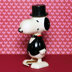 Click to view Snoopy Wind-up Walkers