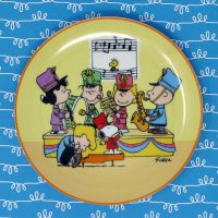 Peanuts in Concert Plate
