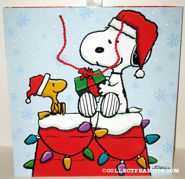 snoopy woodstock on doghouse christmas gift bag - Snoopy And Woodstock Christmas