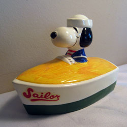 Snoopy Papier-Mache Bank - Snoopy in a Boat Papier-Mache Bank