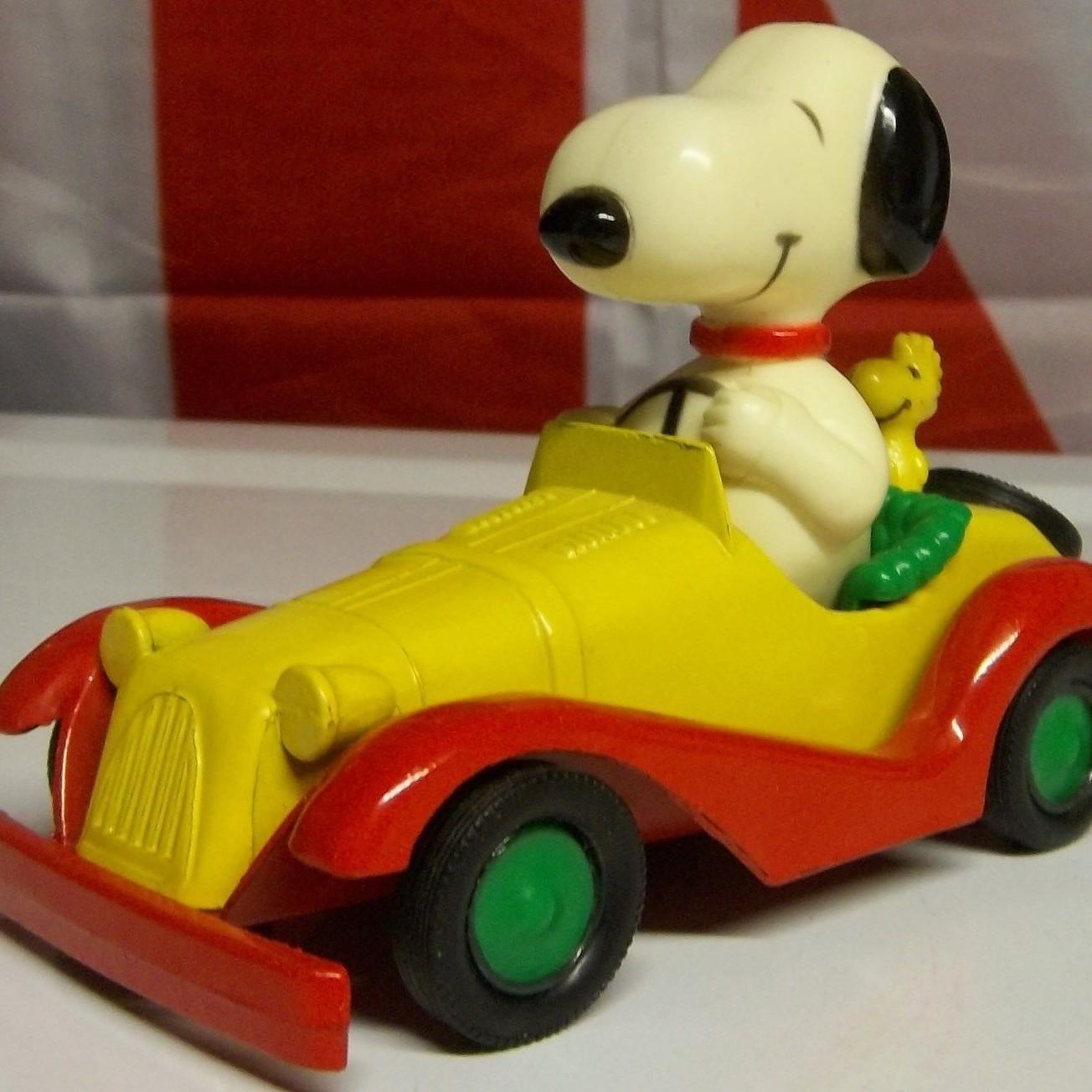 Snoopy & Woodstock Aviva Diecast Car