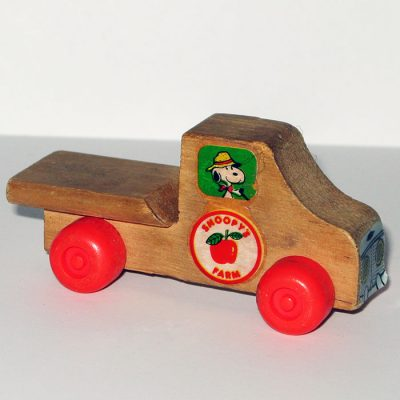 Snoopy's Farm Truck Wooden Toy