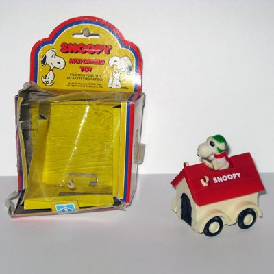 Flying Ace Doghouse Small Friction Car
