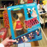 Snoopy & Belle Dress-up Dolls - Peanuts Treasure Box