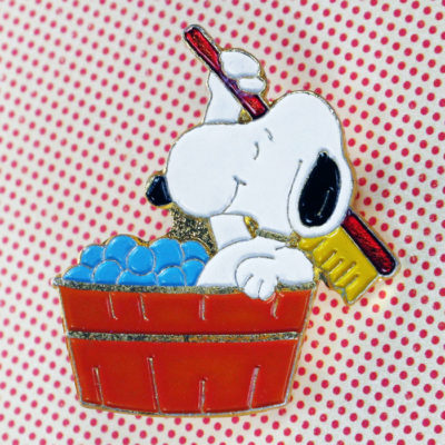 Snoopy in Bathtub Pin