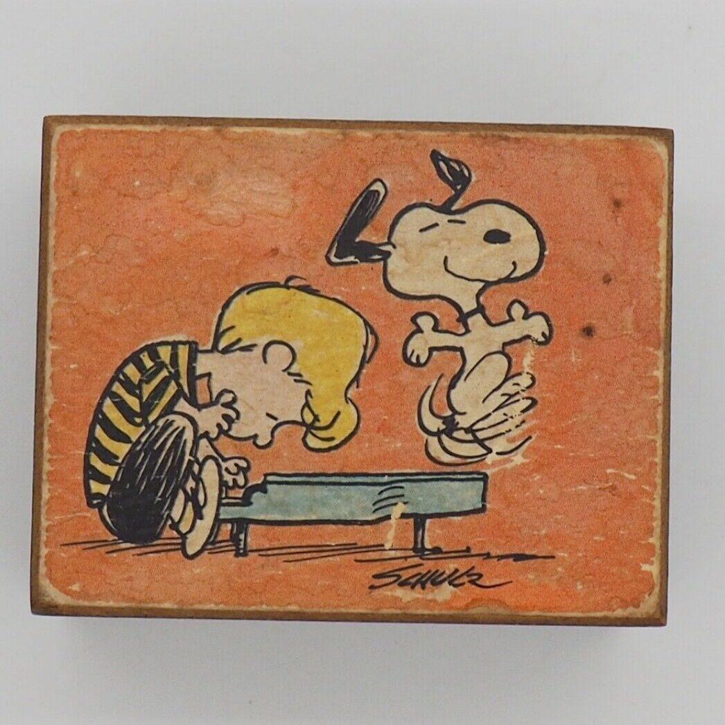 Anri Peanuts Music Box