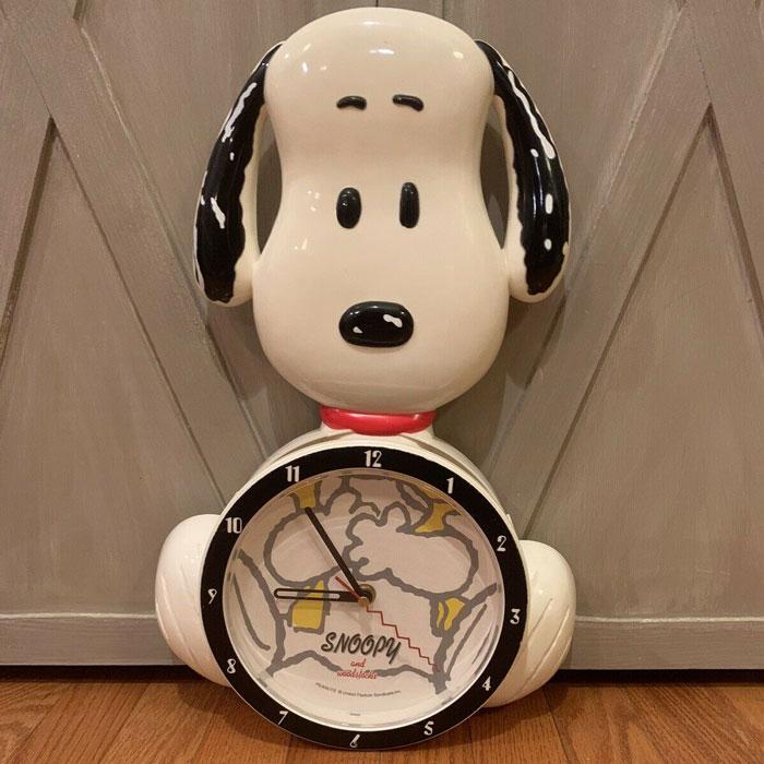 Figural Snoopy Wall Clock