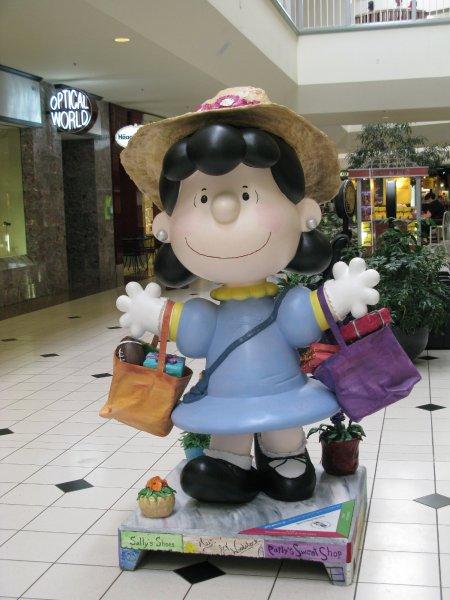 Santa Rosa Peanuts Statues