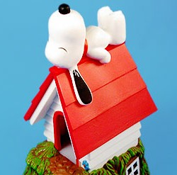 Snoopy & his Doghouse Collectibles
