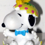 Snoopy in cracked Yellow Easter Egg with Woodstock PVC Figurine