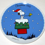Snoopy & Woodstock with doghouse sleigh 1990 Christmas Plate
