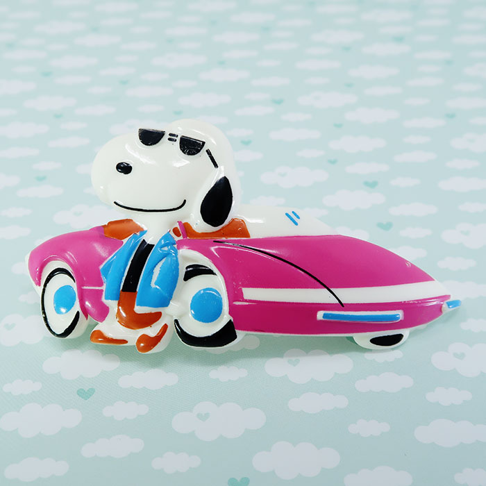 Snoopy in suit standing by sports car Hair Clip