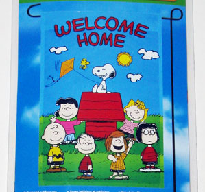Peanuts Gang 'Welcome Home' Mini Flag