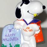 Joe Vampire leaning on tombstone Halloween PVC Figurine