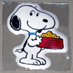 Snoopy holding dogdish puffy Magnet
