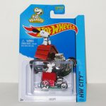 Snoopy on Doghouse HW City Hot Rod Car
