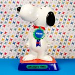 Snoopy with Hero Badge Figurescene