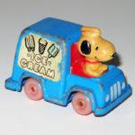 Snoopy in Ice Cream Van