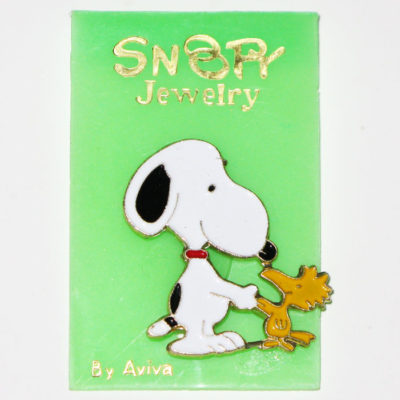 Snoopy & Woodstock shaking hands Pin