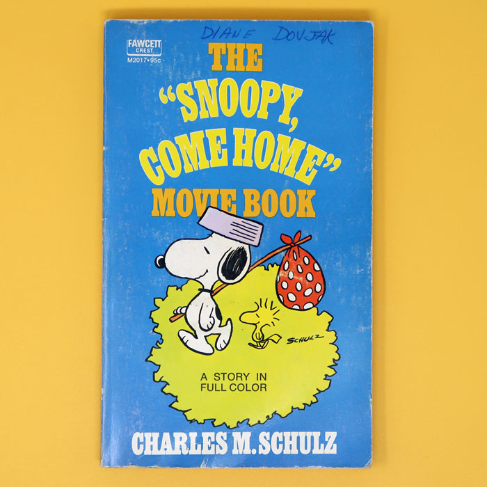 """The """"Snoopy, Come Home"""" Movie Book"""