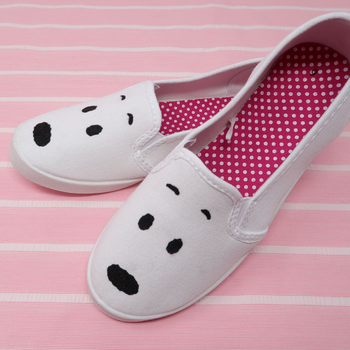 D.I.Y. Snoopy Shoes