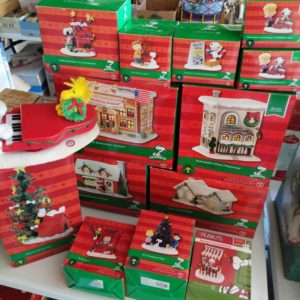 Peanuts Department 56 Houses and Figurines